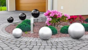 Decorative Ball for the Garden. Choice of colors 22 cm small 4