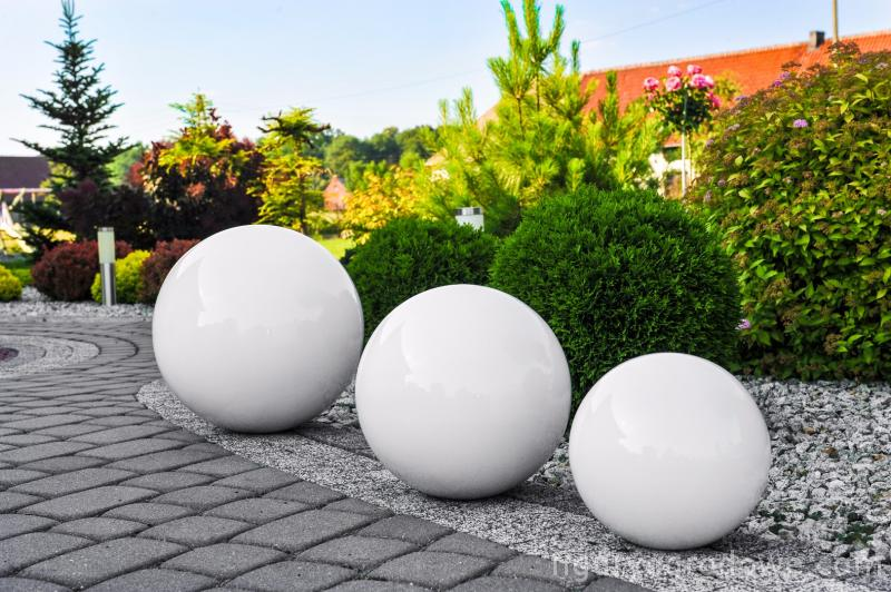 Decorative Ball for the Garden. Choice of colors 30 cm
