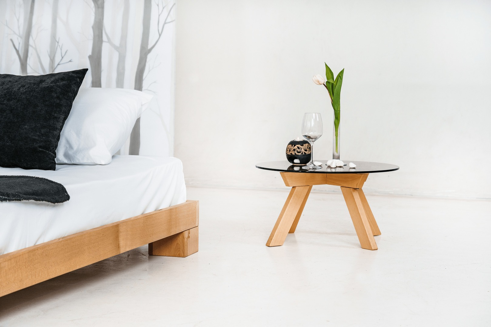 Cube double bed 140x200 raw wood