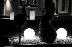 Set of three modern garden lamps Luna ball 20 cm, 30 cm, 40 cm, white balls, gloss, LED bulbs included small 1