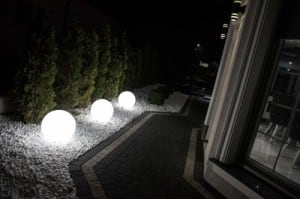 Set of three modern garden lamps Luna ball 20 cm, 30 cm, 40 cm, white balls, gloss, LED bulbs included small 3