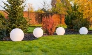 Modern shining garden ball Luna ball 20 cm, white small 7