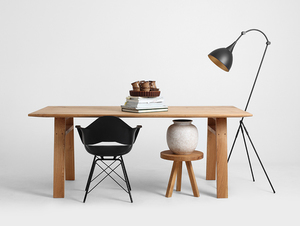 VICTOR dining table small 2