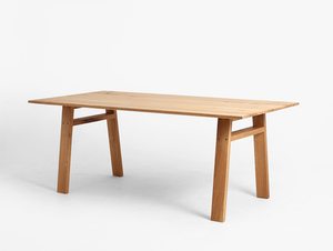 VICTOR dining table small 3