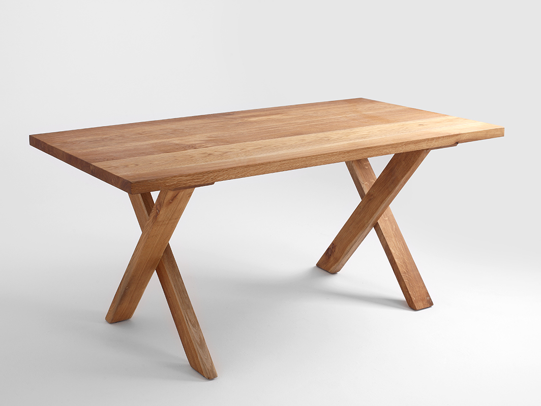 MAVET dining table