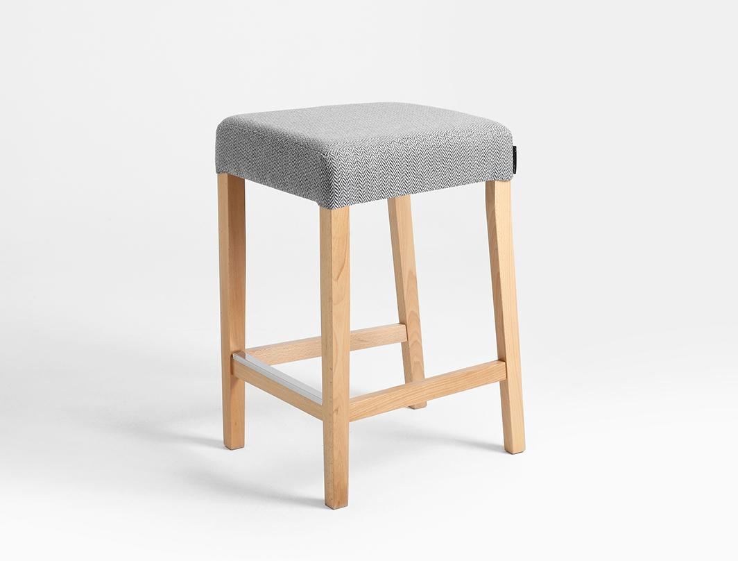 WILTON 67 bar stool
