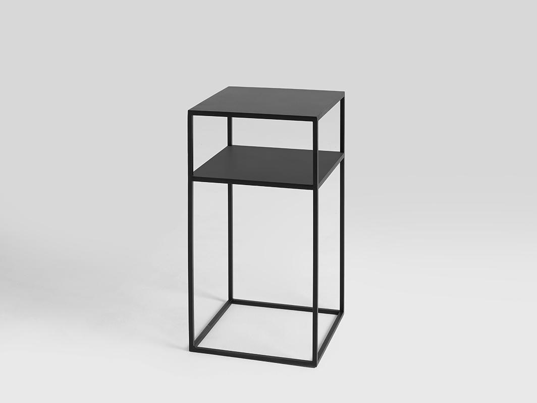 TENSIO 2 FLOOR METAL 30 table