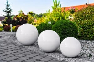 A bright garden ball 55 cm medium, 230V 23W small 1