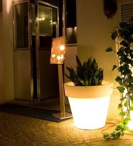 Illuminated flowerpot Bordato Liscio small 1