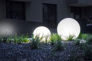 A set of decorative garden balls - Luna Balls 20, 25, 30, 40 cm + Led Bulbs small 5