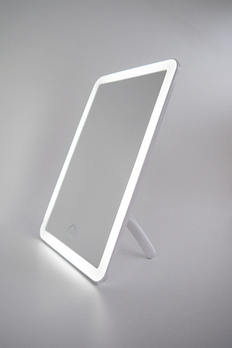 Portable cosmetic mirror with LED lighting
