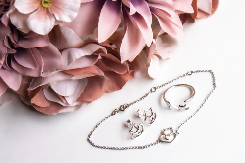 Silver jewelry set - with a cat theme