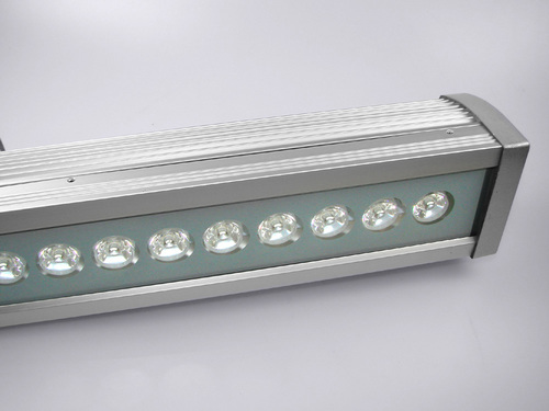 Outdoor linear LED Aland 3000K 18W IP44 luminaire
