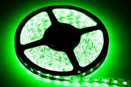 60 LED 24 W strip. Green color. Ip20. (5 Meters)